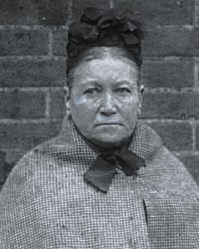 Tội ác khó dung thứ của bà mụ kiếm sống trên sinh mạng của hơn 300 đứa trẻ Photo-1-1499439984362