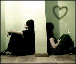 Khi đại nạn đến anh có thể nắm chặt tay em không? Alone