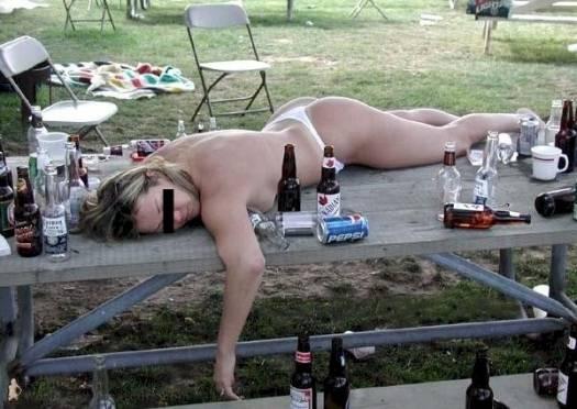 Bolje biti pijan nego star - pijanstvo i alkohol u fotografiji! :D Drunk-girl