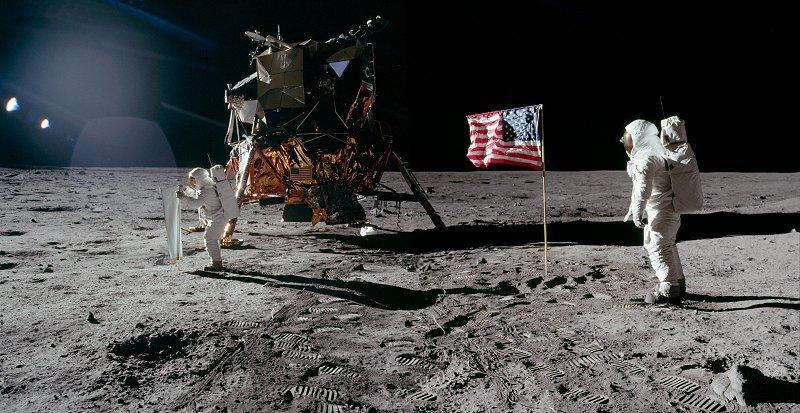 Panoramas lunaires A11-40-5872-74LR