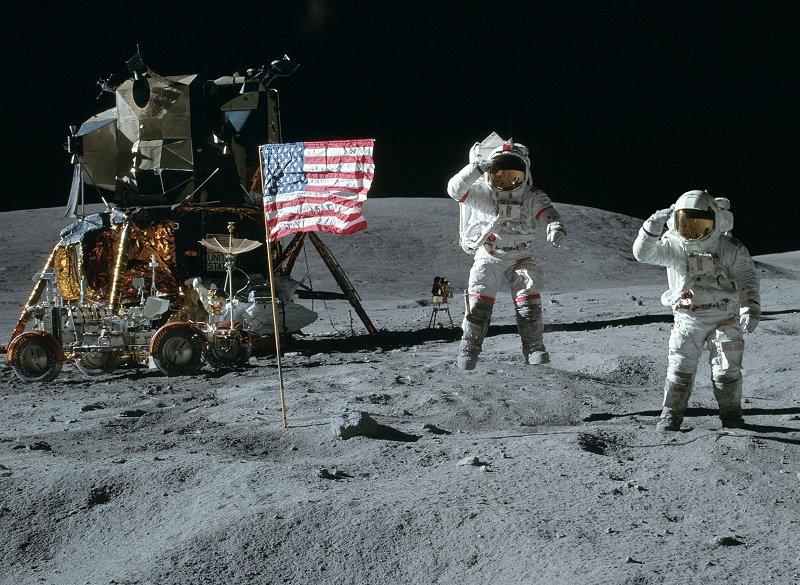 Panoramas lunaires A16-113-18339-41LR