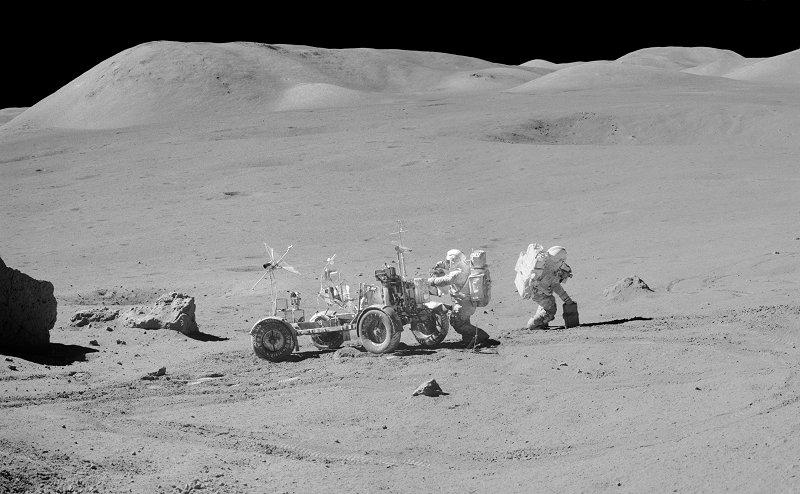 les 40 ans Apollo 17  A17-141-21598-99LR