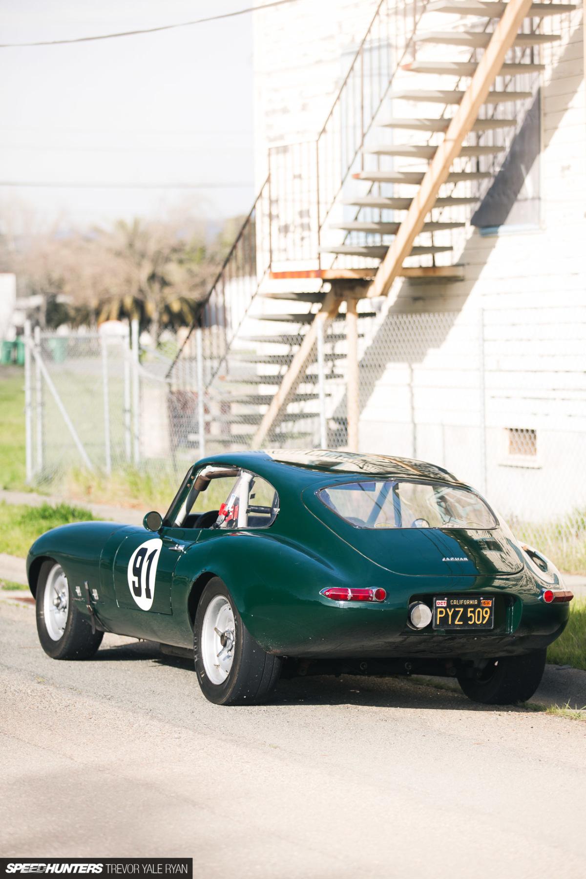 Une jaguar sachant freiner... - Page 6 2018-SH-E-Type-Racecar-Trevor-Ryan_026-1200x1800