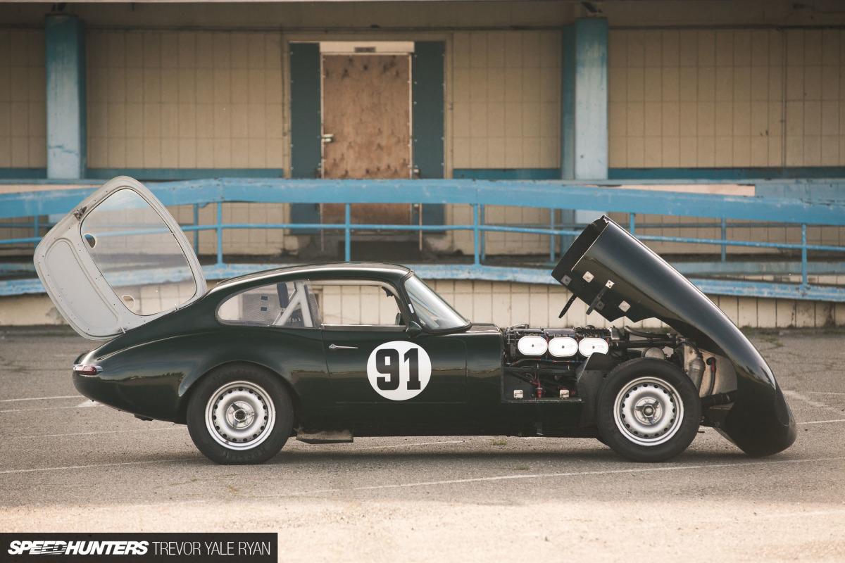 Une jaguar sachant freiner... - Page 6 2018-SH-E-Type-Racecar-Trevor-Ryan_054-1200x800