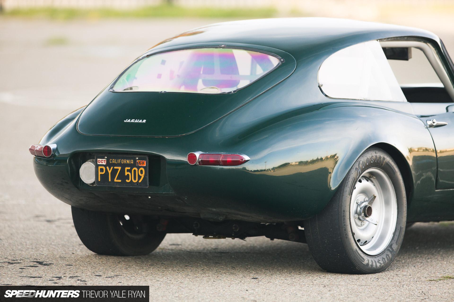 Une jaguar sachant freiner... - Page 6 2018-SH-E-Type-Racecar-Trevor-Ryan_060