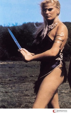 Women Wearing Revealing Warrior Outfits - Page 3 02327905