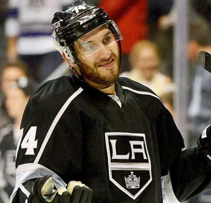 Dwight King signe dans la KHL Img24132943