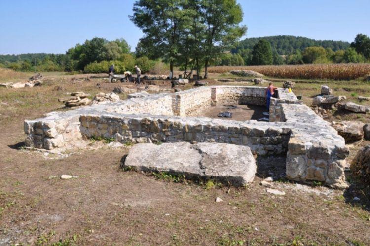 Манастир Карановац - Градишка Ityiuiuy