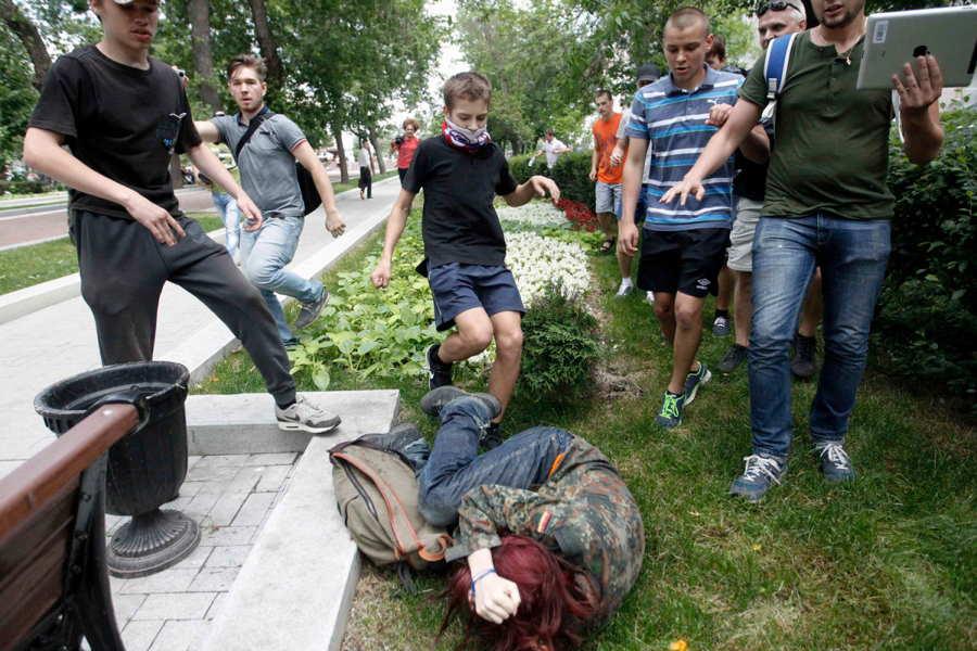 ФОТО - Page 3 Surprising-photos-bullies