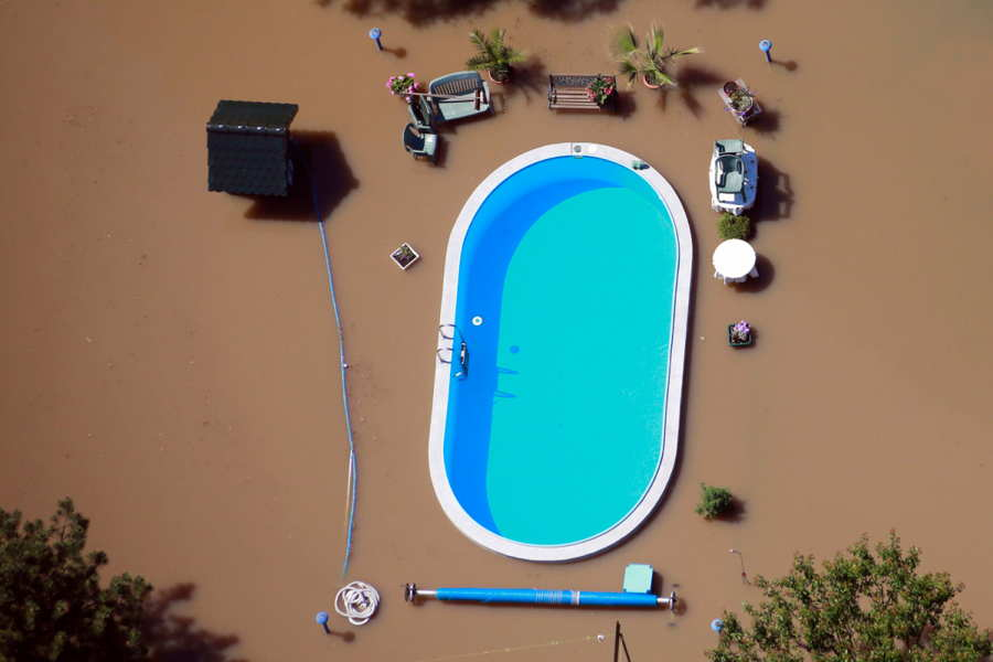 ФОТО - Page 3 Surprising-photos-flood-pool
