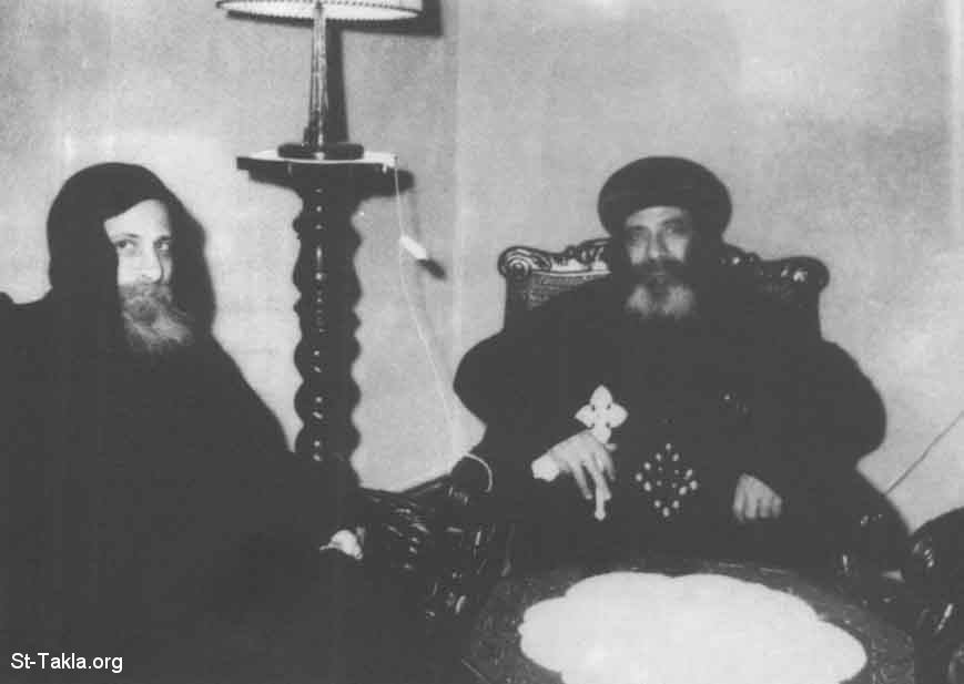 موسوعة قداسة البابا شنودة الثالث - صفحة 3 Www-St-Takla-org__Coptic-Pope-Shenouda-3-People-Ecclesiastical-004