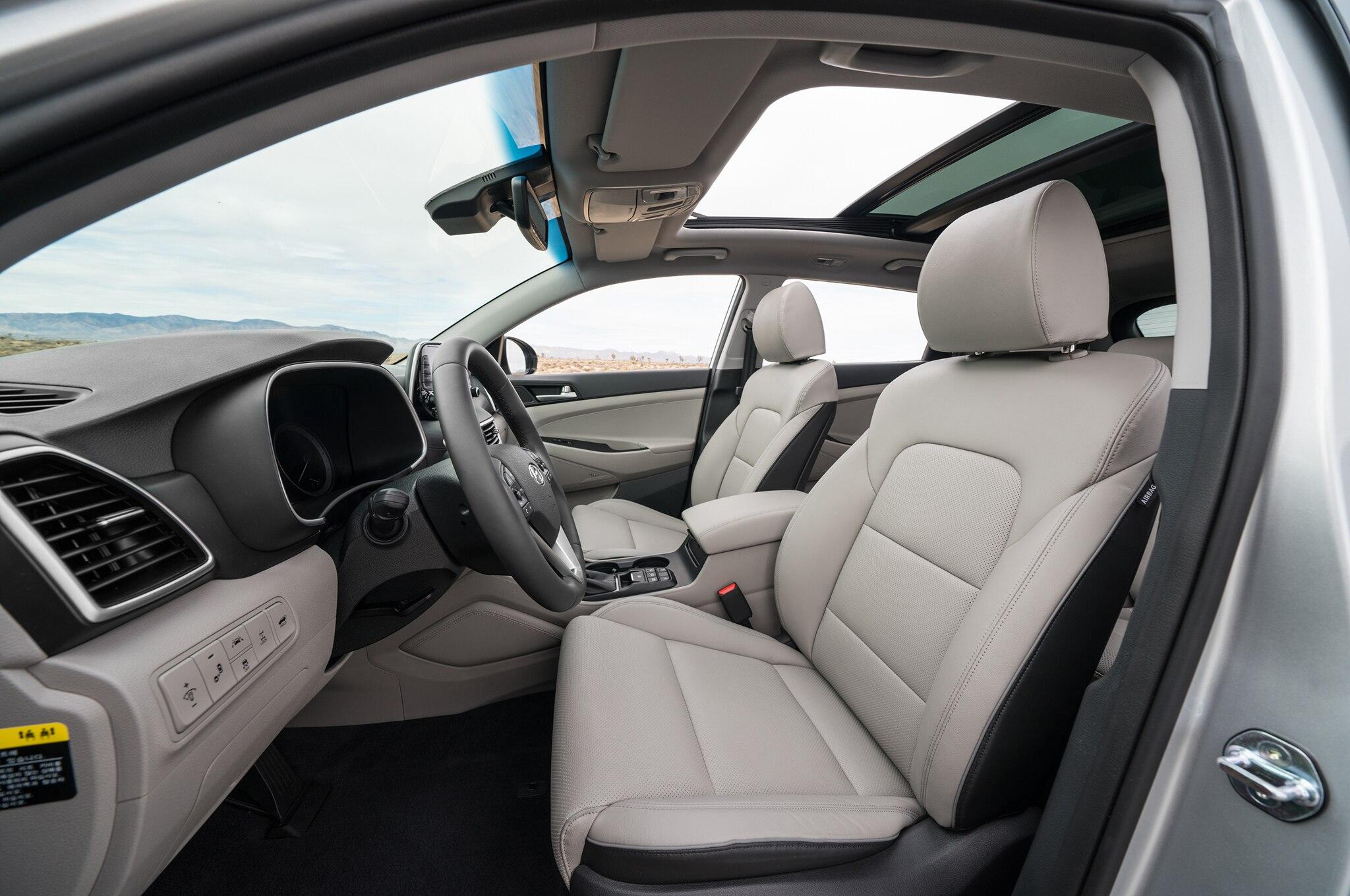 2015 - [Hyundai] Tucson III - Page 8 2019-Hyundai-Tucson-front-interior-seats