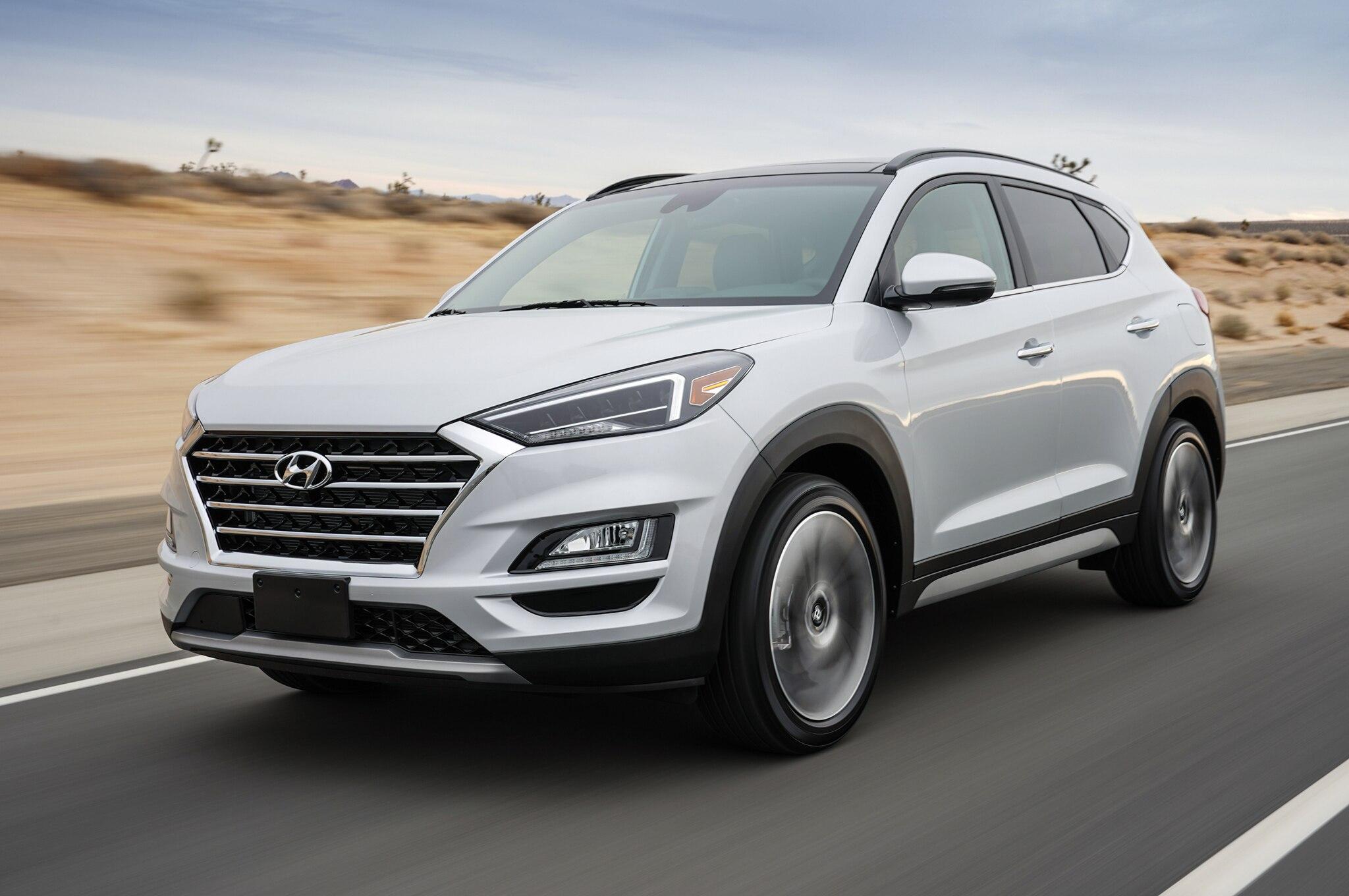 2015 - [Hyundai] Tucson III - Page 8 2019-Hyundai-Tucson-front-three-quarter-in-motion-19