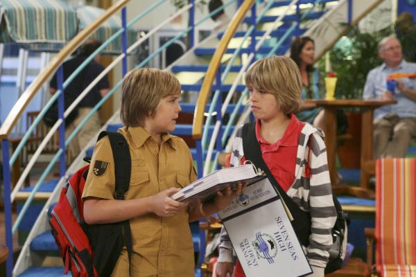 Zac si Cody Suite Life - Page 5 314