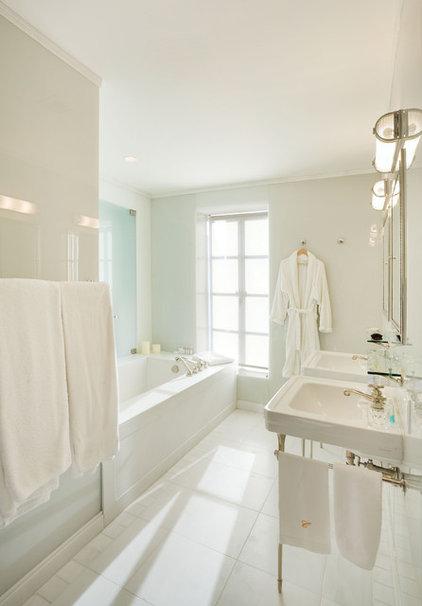 WOOD, Baldric Poseidon Cleander  Dbb1d6680cf427ef_1000-w422-h606-b0-p0--contemporary-bathroom