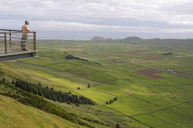 Il valore del silenzio - NO OT - - Pagina 2 Belvedere-di-serra-do-cume-su-caldera-ph-vgiannellac
