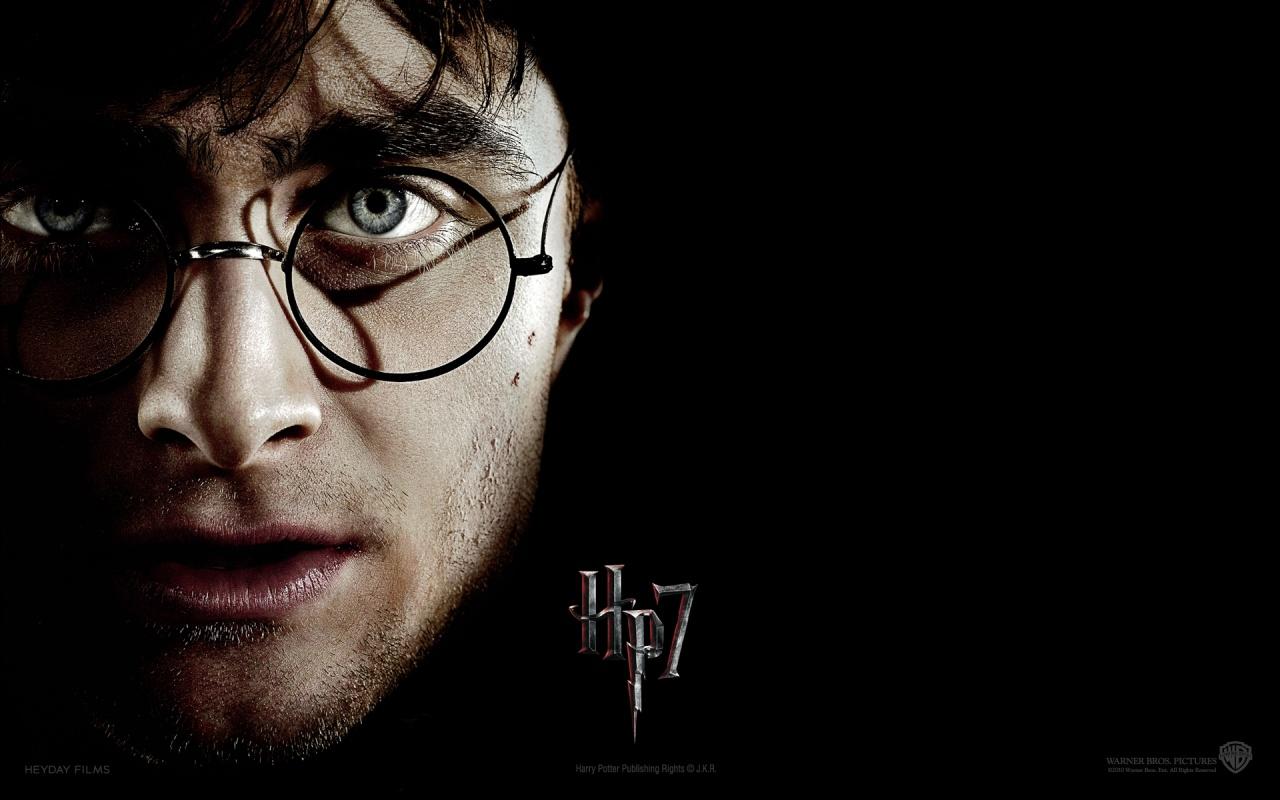 Экранизация серии романов о Гарри Поттере Kinopoisk.ru-Harry-Potter-and-the-Deathly-Hallows_3A-Part-1-1409468--w--1280
