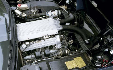 Problème avec ma TD de 89  C12_0601_04z-1984_aston_martin_lagonda-engine