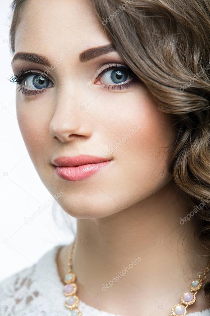 Golfos/nuevo tema - Página 2 Depositphotos_129897918-stock-photo-portrait-of-beautiful-woman-model