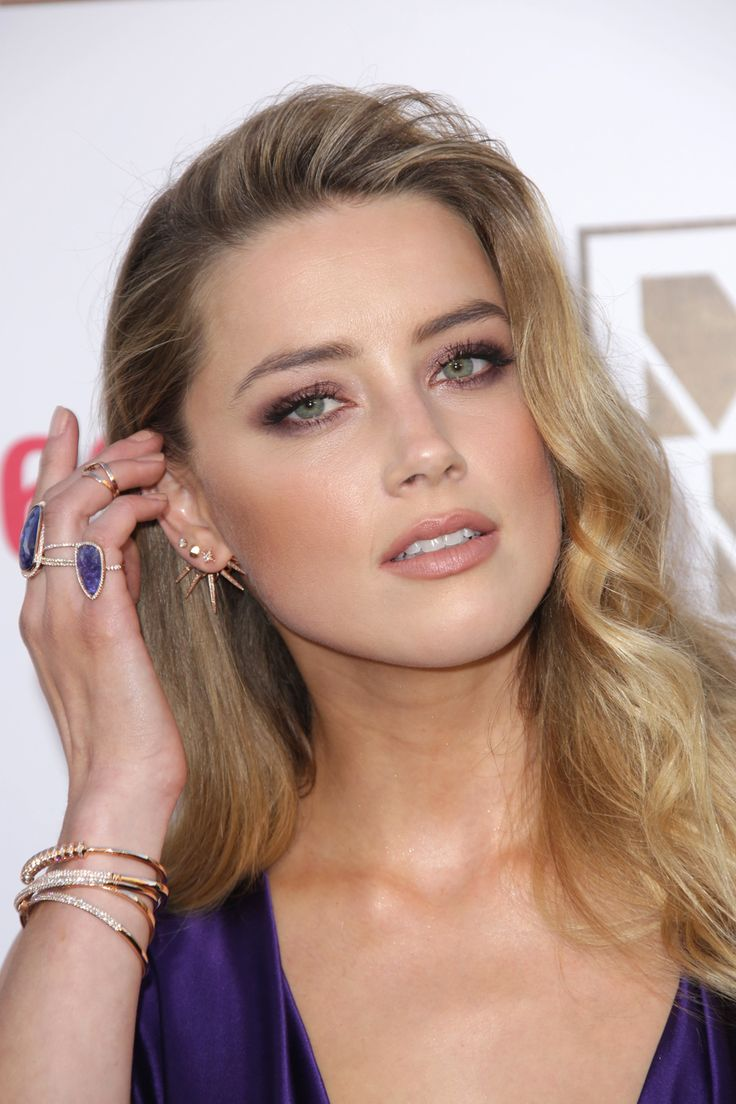 Hot or Not - Page 19 Taurus-beauty-amber-heard-astrology