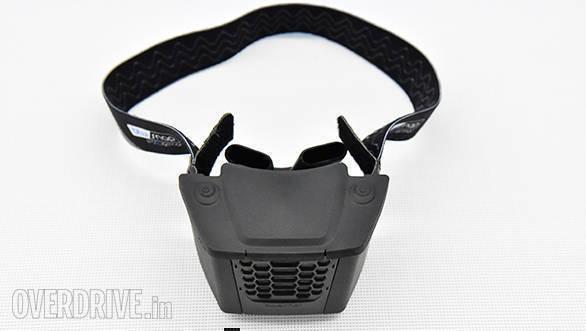 BLUARMOR : L'insolite climatiseur pour casque intégral BLuarmor_blusnap_helmet_cooler_006
