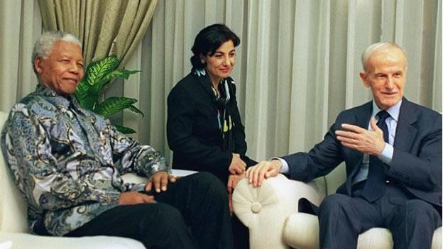 La Unión Soviética,China y las potencias occidentales apoyando a los tiranos en el siglo XX - Página 2 Mandela-siria-ok