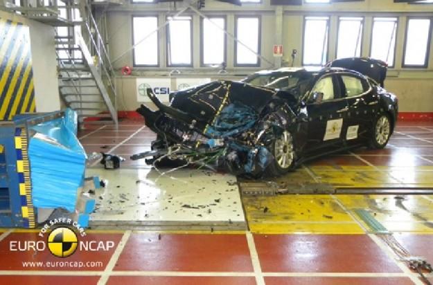 Sondaggio RC2: scegli una Maserati per BigFoot Maserati-ghibli-euroncap-5-stelle