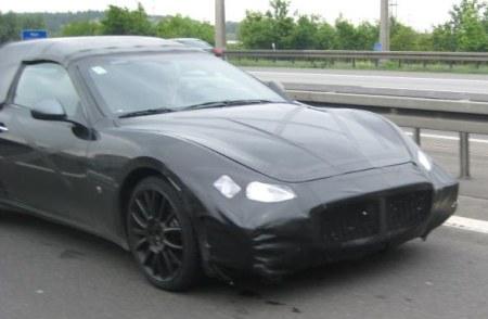 2009 - [Maserati] Gran Cabrio - Page 4 Maserati_Granturismo_Spyder_spyshot2