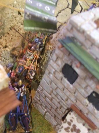 Ishtar chopper (Syrie, rives de l' Oronte. 1500 avant l' ère chrétienne) Photo_165259_3027142_201004023248472