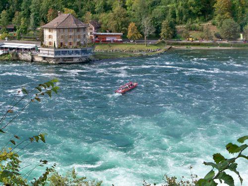Petit tour en Suisse Artfichier_263507_1284942_201210075138611