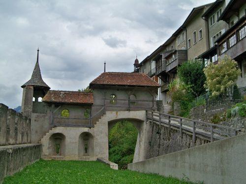 Petit tour en Suisse Artfichier_263507_1284960_201210075338941