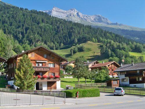 Petit tour en Suisse Artfichier_263507_1285018_201210070142715