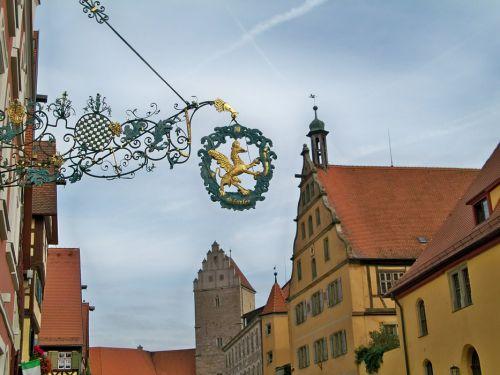 Enseignes en Autriche et Allemagne Artfichier_263507_1287666_201210085959106