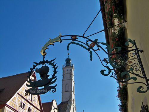 Enseignes en Autriche et Allemagne Artfichier_263507_1287688_201210080552543
