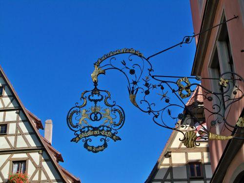 Enseignes en Autriche et Allemagne Artfichier_263507_1287691_201210080646716