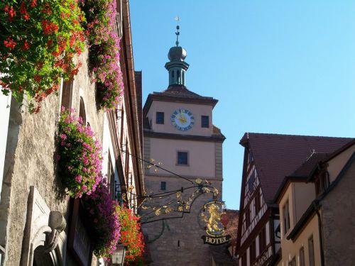 Enseignes en Autriche et Allemagne Artfichier_263507_1287692_201210080710605