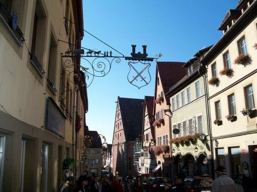 Enseignes en Autriche et Allemagne Artfichier_263507_1287699_201210080751876