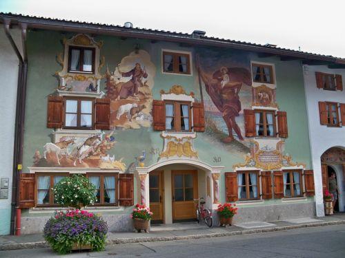 Maisons peintes en Allemagne Artfichier_263507_1288419_201210084826570