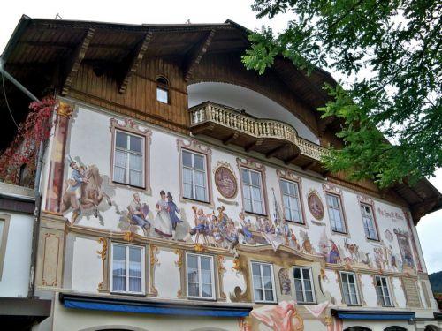Maisons peintes en Allemagne Artfichier_263507_1288432_201210085107231