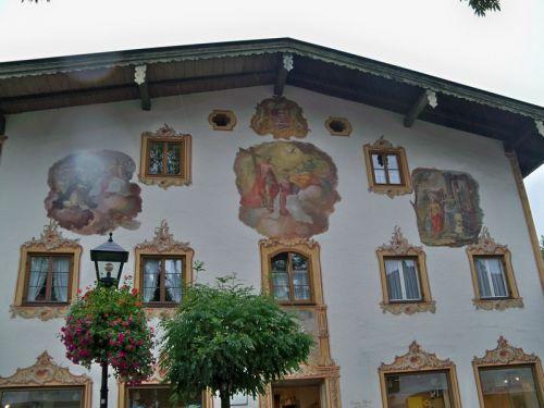 Maisons peintes en Allemagne Artfichier_263507_1288457_20121008565056