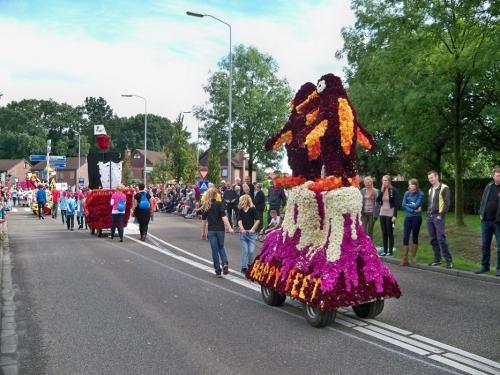 Corso fleuri de Lichtenvoorde (Pays Bas) Artfichier_263507_2801054_201310020942904
