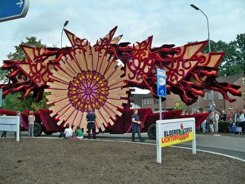 Corso fleuri de Lichtenvoorde (Pays Bas) Artfichier_263507_2801113_201310021930792