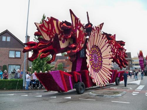Corso fleuri de Lichtenvoorde (Pays Bas) Artfichier_263507_2801130_2013100222340
