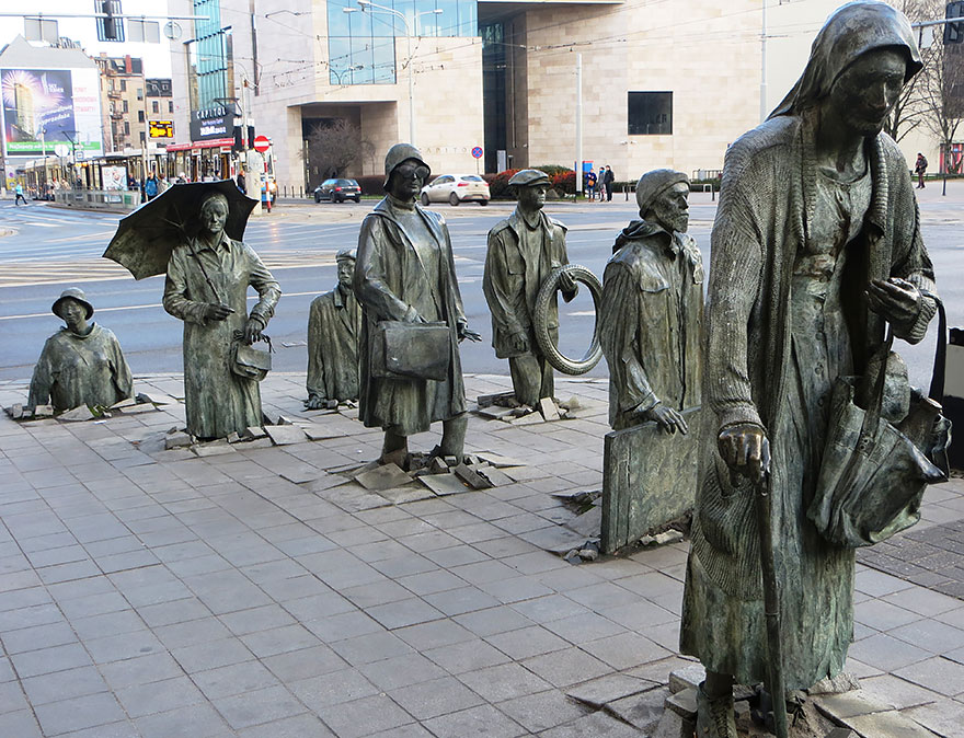 Čudne statue širom sveta - Page 10 Worlds-most-creative-statues-3