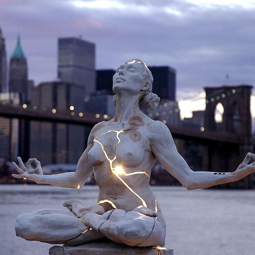 Čudne statue širom sveta - Page 10 Worlds-most-creative-statues-4