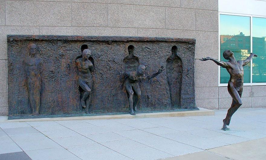 Čudne statue širom sveta - Page 10 Worlds-most-creative-statues-6