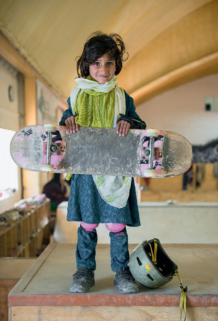 Choses diverses et variées que vous voulez partager ! Skateistan-skateboarding-girls-afghanistan-jessica-fulford-dobson-1