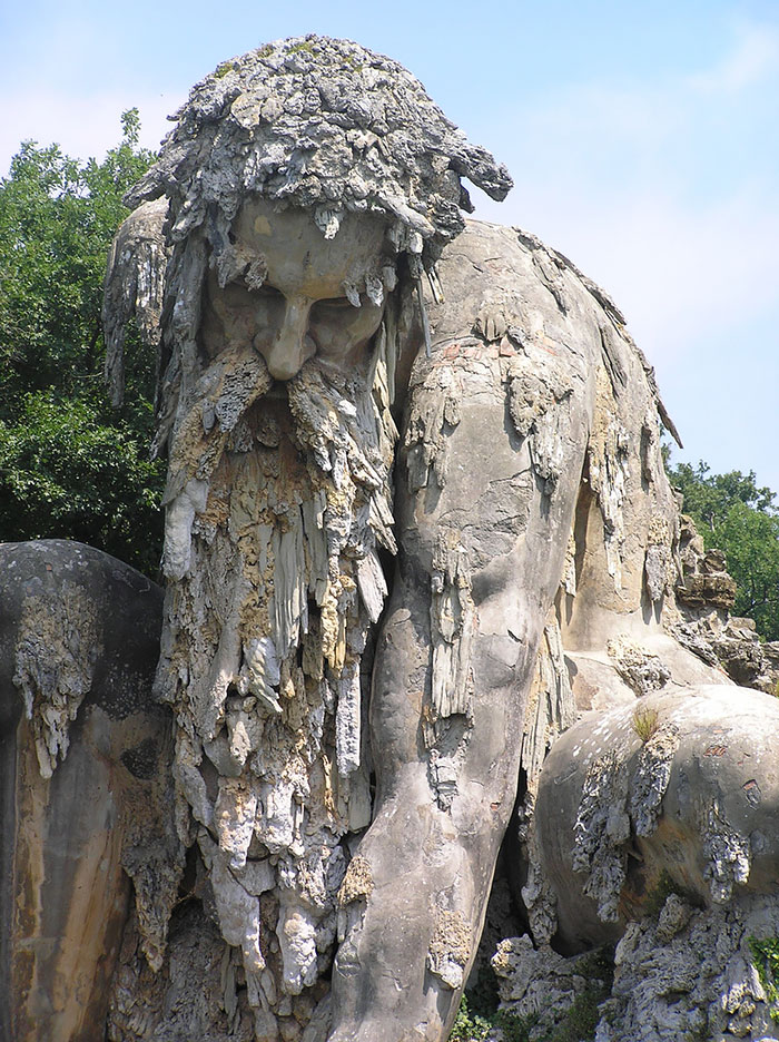 Massive 16th Century 'Colossus' Sculpture In Italy Has Entire Rooms Hidden Inside Colosso-dell-appennino-sculpture-florence-italy-3__700