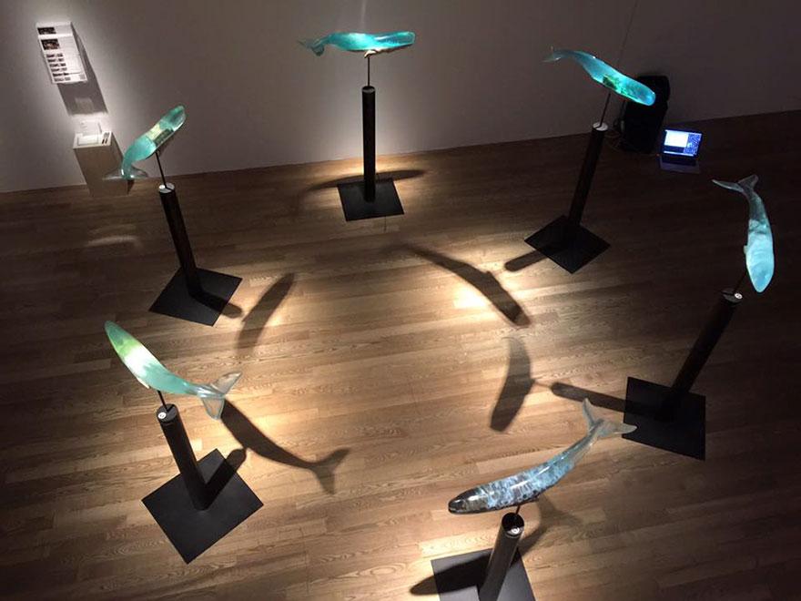 Choses diverses et variées que vous voulez partager ! - Page 18 Translucent-whale-sculptures-samsara-isana-yamada-1