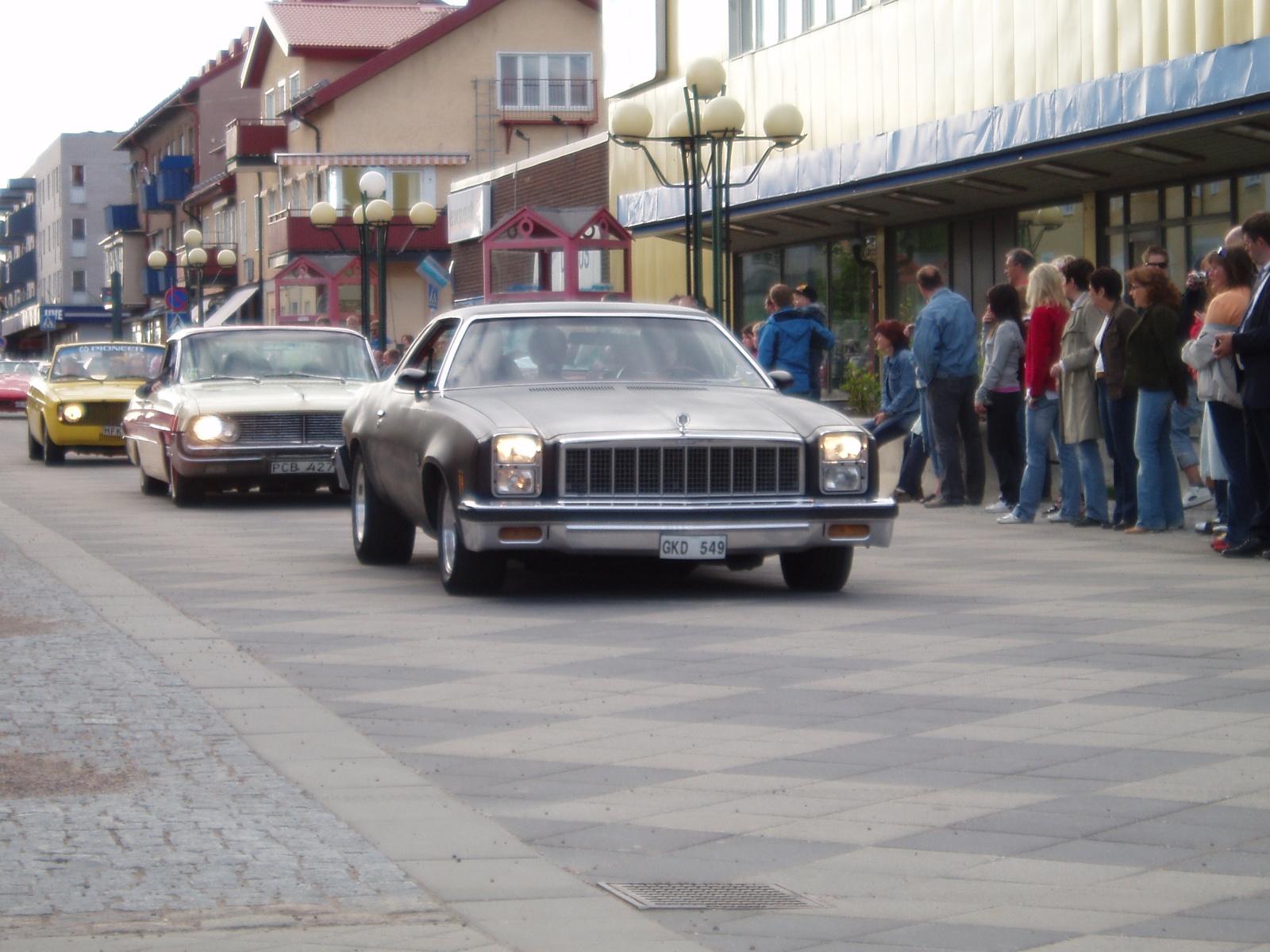 Very Cool Looking Bu  1977-chevrolet-malibu-pic-23440